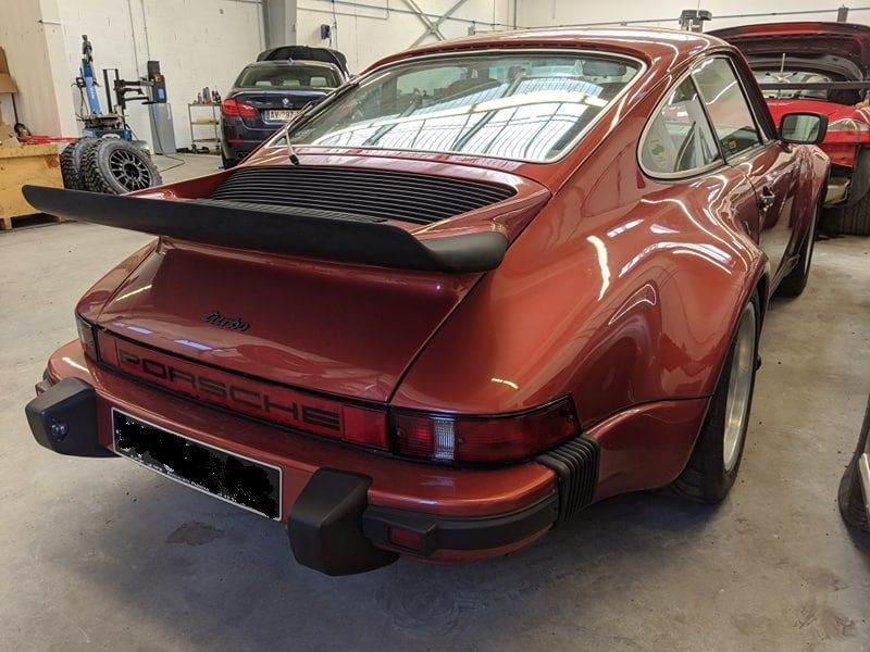 Porsche 911 type 930 turbo 3.0L